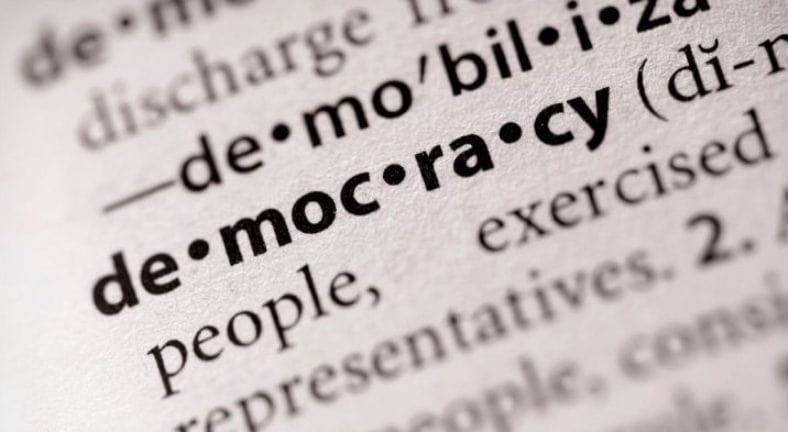 Democrazia-716x393-min.jpg