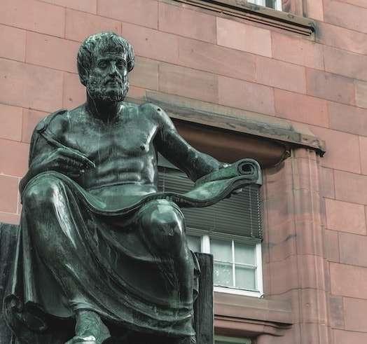 Aristotele-min.jpg